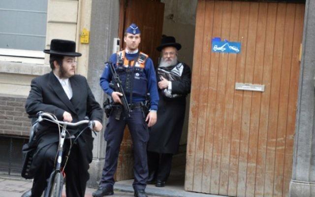 L'entrée du musée juif de Bruxelles (Crédit : Joods Actueel/FLASH90)