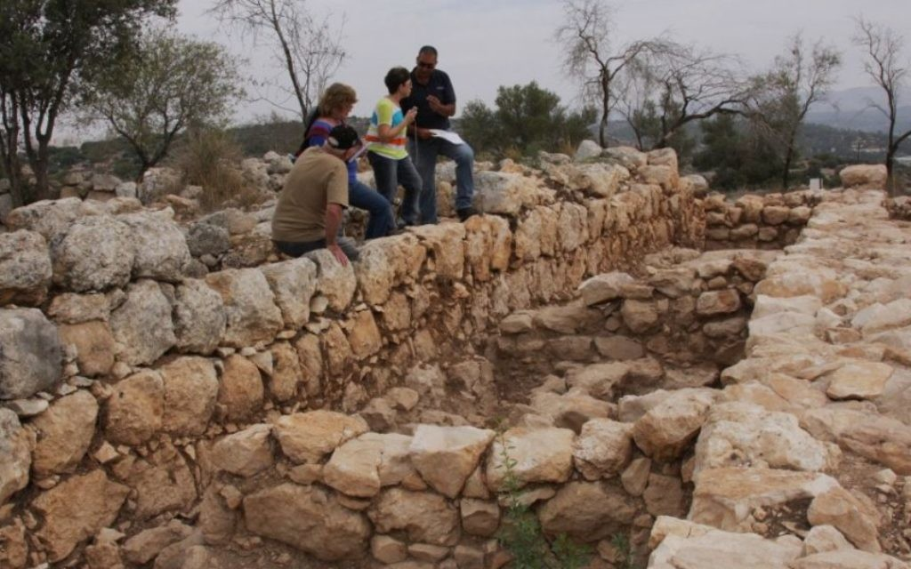 La palais de Qeiyafa (Crédit : Shmuel Bar-Am)