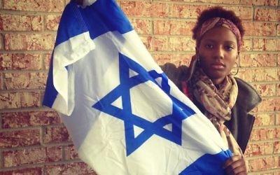 Chloe Valdary affirme que son voyage en Israël sponsorisé par l'AIPAC a changé sa vie (Credit : Lauren Clarice Cross/JTA)