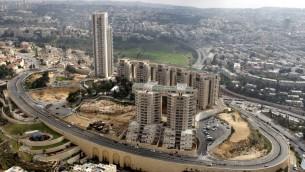 Le point de vue de la Terre Sainte, l'un des premiers des projets de grande hauteur de Jérusalem (Crédit : Nati Shohat / flash 90)