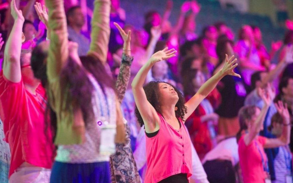 Des pèlerins chrétiens à la fête des Tabernacles à Pais Arena de Jérusalem.- 13 octobre 2014 (Courtoisie ICEJ)