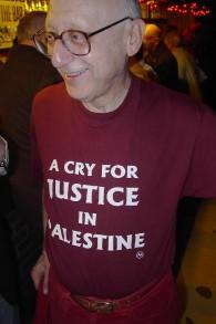 Gerald Kaufman, parlementaire britannique Labour (Crédit : domaine public/Wikimedia communs)