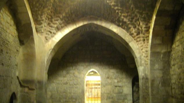 Un Hamam construit en 1327 par les Mamelouks (Crédit : Ilan Ben Zion/Times of Israel)
