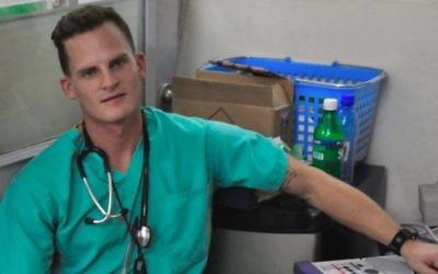 Dr Adam Kawalek, photographié ici à Haïti en 2010, s'est porté volontaire dans la bande de Gaza cet été avec l'International Medical Corps. (Autorisation)