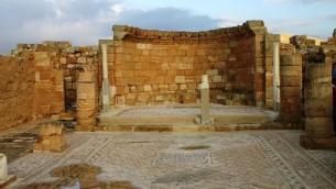 L'église de Mamshit (Crédit : Shmuel Bar-Am)