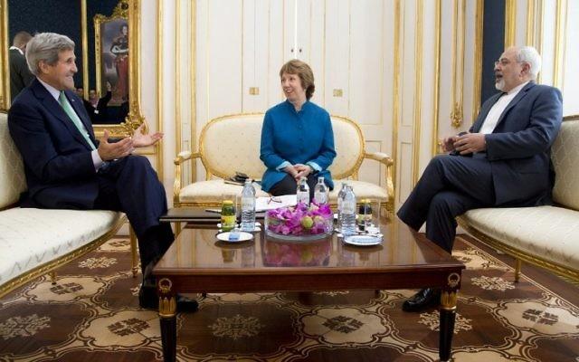 John Kerry, Catherine Ashton et  Mohammad Javad Zarif  - 15 octobre 2014 à Vienne (Crédit : AFP/ POOL / CAROLYN KASTER)