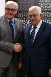 Frank-Walter Steinmeier et Mahmoud Abbas à Ramallah (Crédit : ABBAS MOMANI / AFP)