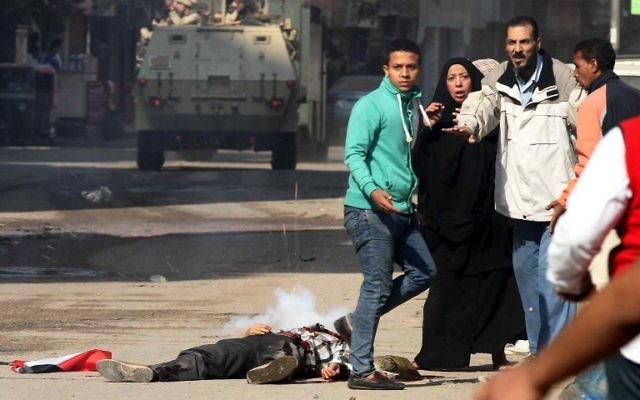 Des rassemblements salafistes ont été organisés pour protester contre la destitution de Mohamed Morsi qui ont fait deux morts en Egypte - 28 novembre 2014 (Crédit : AFP)
