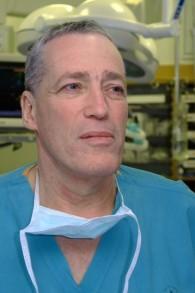 Dr Avi Rivkind du centre médical Hadassah (Crédit : Autorisation)