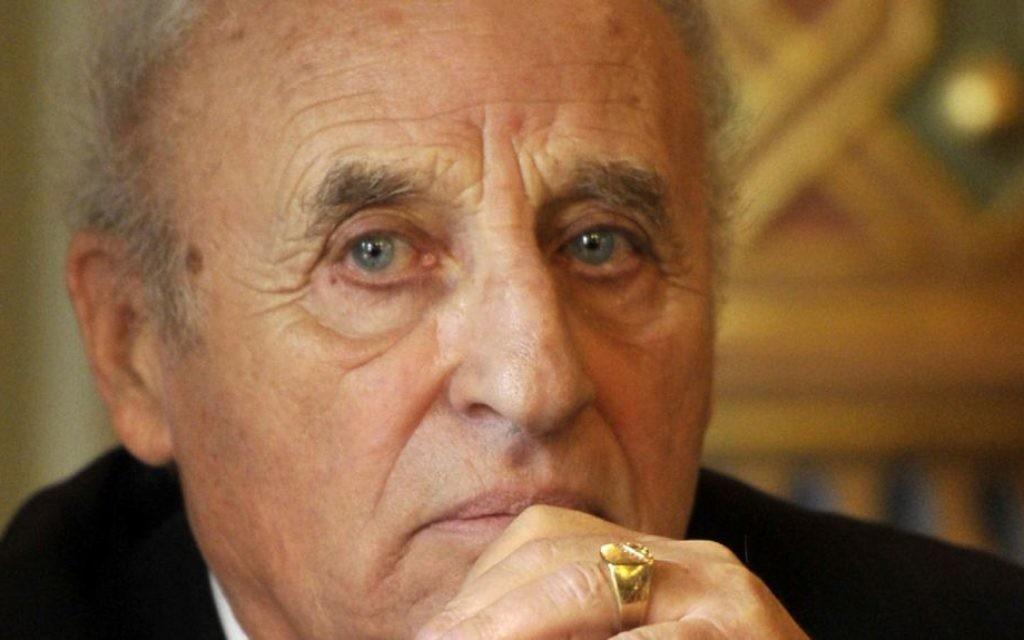 Gusztav Zoltai, l'ancien président de la Fédération des communautés juives d'Hongrie, le 9 novembre 2014 (Crédit : MTI/Attila Kovacs/JTA)