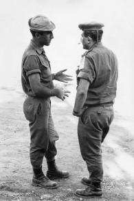Hagai Bar-Orian (g) pendant son service dans la brigade Golani (Crédit : Eyal Shragai)