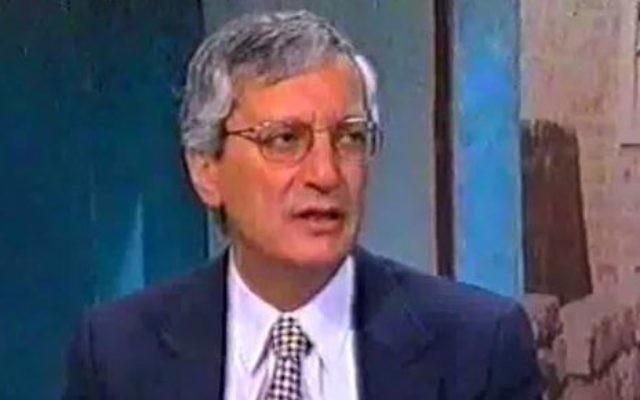 L'ancien procureur général Michael Ben-Yair lors d'une interview accordée à la Deuxième chaîne (Crédit : Capture d'écran)