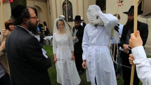 Un mariage juif à Cracovie (Crédit : Scott Anger)