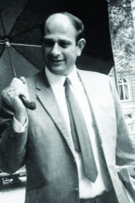 Moti Kfir, directeur de l'école des opérations spéciales du Mossad (Crédit : Autorisation de Keshet Publishing)