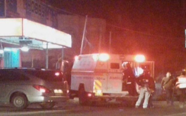 Scène de l'attaque à la voiture bélier au Gush Etzion - 5 novembre 2014 (Crédit : capture d'écran Deuxième chaîne)