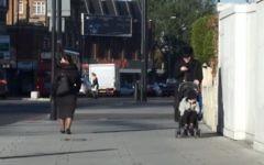 Illustration d'une rue à Stamford Hill (Capture d'écran YouTube / Mick Byrne)