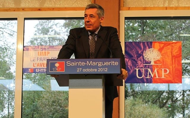 Henri Guaino à un meeting de Jean-François Copé, le 27 octobre 2012, à Sainte-Marguerite. (Crédit : CC BY SA 3.0)