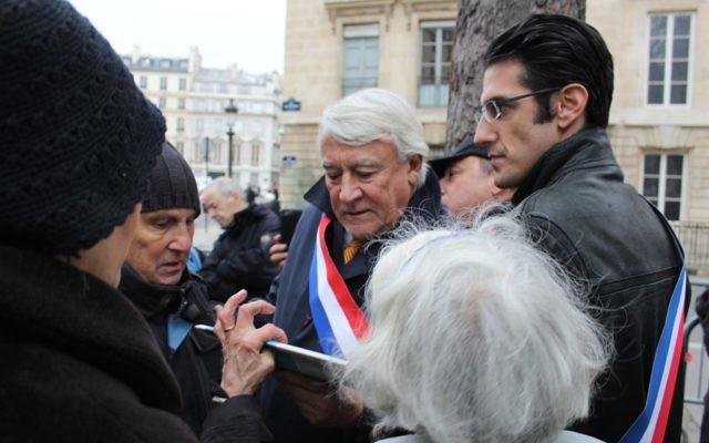 Claude Goasguen - à Paris -  Reconnaissance de l'État palestinien : les associations juives manifestent à Paris - 2 décembre 2014 (Crédit : Glenn Cloarec/Times of Israël)