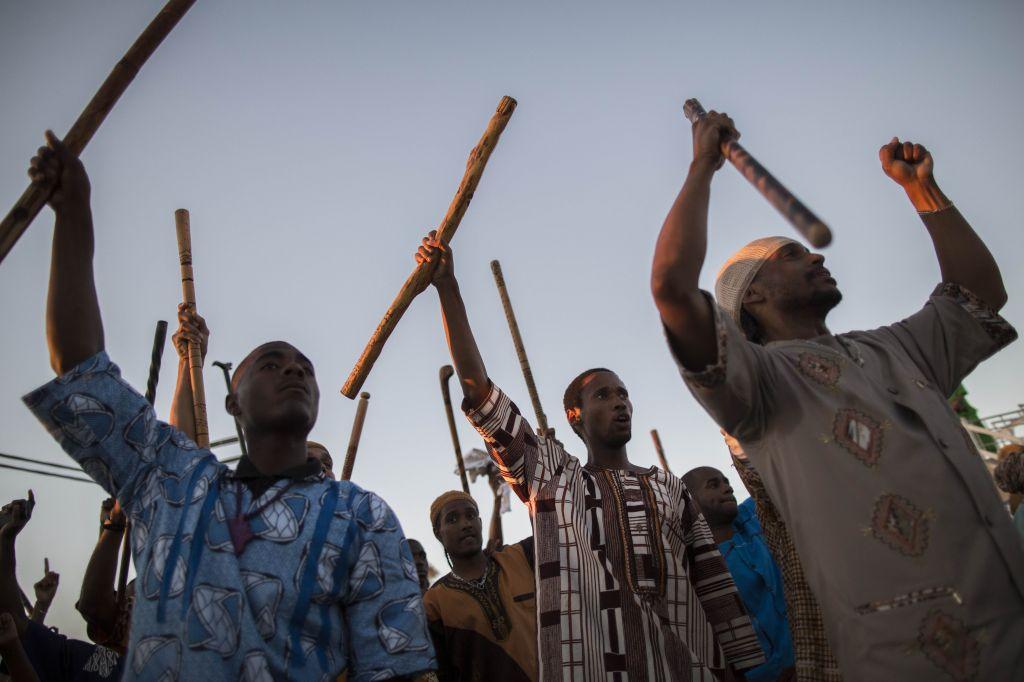 Les Hébreux noirs célébrants la moisson de Shavuot à Dimona (Crédit : Yonatan Sindel/Flash 90)