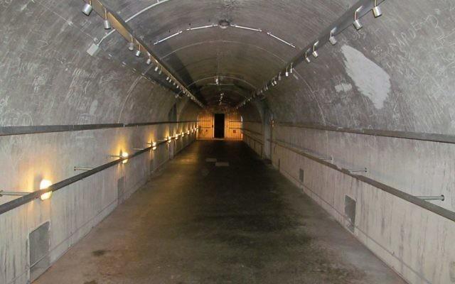 Un bunker nazi restoré en Allemagne (Crédit : CC BY-SA, David Holt, Flickr)