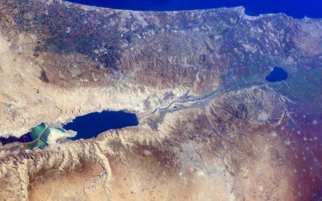 Israël vu de l'espace, comme on le voit dans une série de photos prises par l'astronaute Barry Wilmore à la Station spatiale internationale le 25 décembre 2014 (crédit photo: NASA)