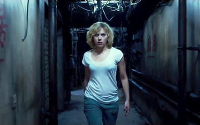 Scarlett Johanson dans Lucy (Crédit : Universal Pictures)
