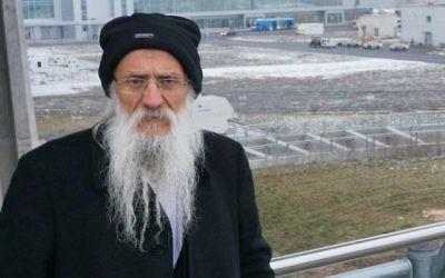 Rabbi Yossef Mendelevitch à l'aéroport Pulkovo de Saint-Pétersbourg, le 30 novembre 2014. (Crédit : Cnaan Liphshiz / JTA)