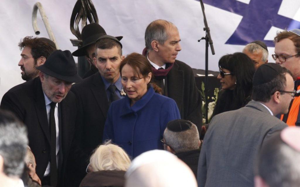 La Ministre de l'Ecologie, Ségolène Royal, aux funérailles des quatre victimes de l'attaque de l'Hyper Casher (Crédit : JACK GUEZ / AFP)
