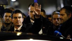 -Manuel Valls au rassemblement organisé à St-Mandé - 10 janvier 2015 (Crédit : AFP)