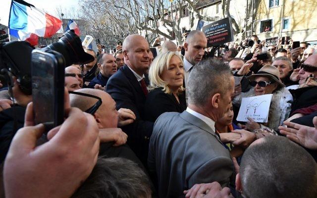 Marine Le Pen à Beaucaire - 11 janvier 2015 (Crédit : AFP)