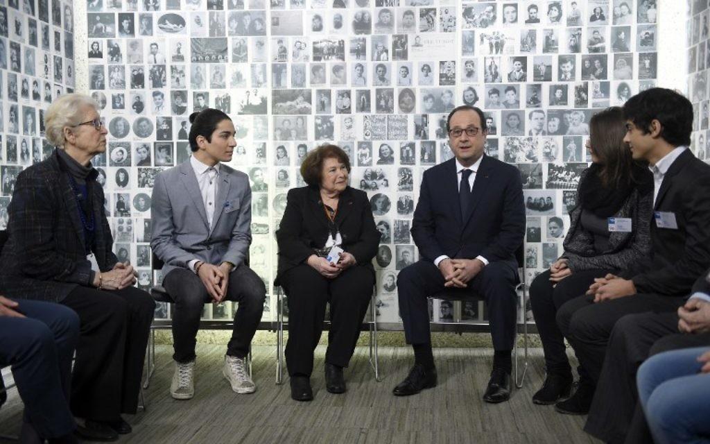François Hollande lors du 70e anniversaire de la libération du camp d'Auschwitz au mémorial de la Shoah (Crédit : AFP)