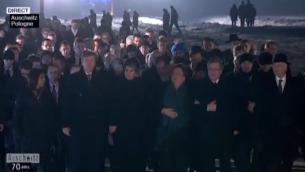 Capture d'écran de la marche à Auschwitz - 27 janvier 2015 (Crédit : France 2)
