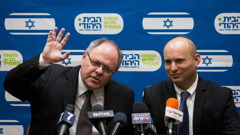 Dayan et Bennett lors d'une conférence le 14 décembre 2014 (Crédit : Miriam Alster/Flash90)