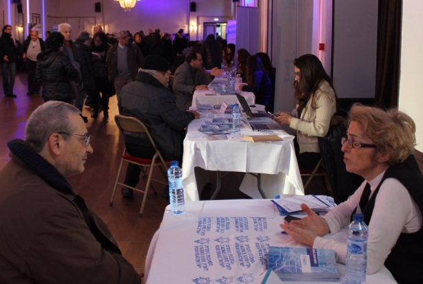 Des centaines de personnes au salon de l'alyah dimanche 11 janvier 2015 (Crédit : Eliaou Zenou  pour l'Agence juive)