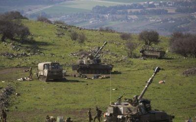 Des tanks de l'armée israélienne - 28 janvier 2015 (Crédit : AFP)