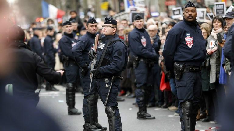 La police assurant la sécurité lors de la Marche républicaine le 11 janvier 2015 (Crédit : AFP/THOMAS SAMSON)
