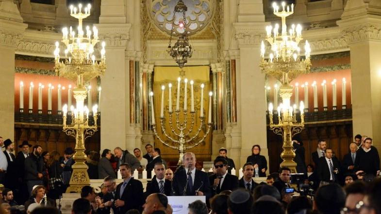 Le Premier Ministre Benjamin Netanyahu Lors De La Ceremonie Pour Les Victimes Des Attaques à Paris Grande Synagogue 11 Janvier 2017 Crédit