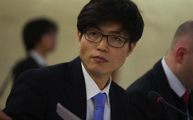 Shin Dong Hyuk - mars 2014 (Crédit : domaine public)