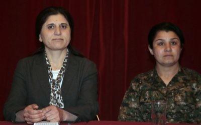 Nassrin Abdallah (d) et Assia Abdallah - en charge du PYD (Crédit : JACQUES DEMARTHON / AFP)
