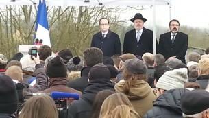 François Hollande, le grand rabbin Gutman et Joel Mergui (Crédit : Nathan Kretz/Times of Israel)