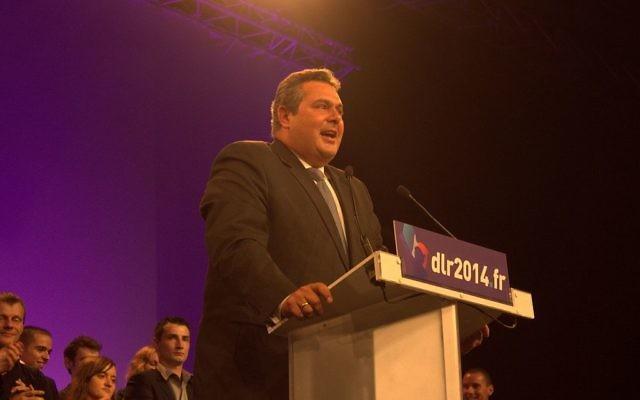 Discours de Panos Kammenos le 5 octobre 2013 lors du congrès Debout la République à Paris (Crédit : Dupontaignan/Flickr/Wikimédia)