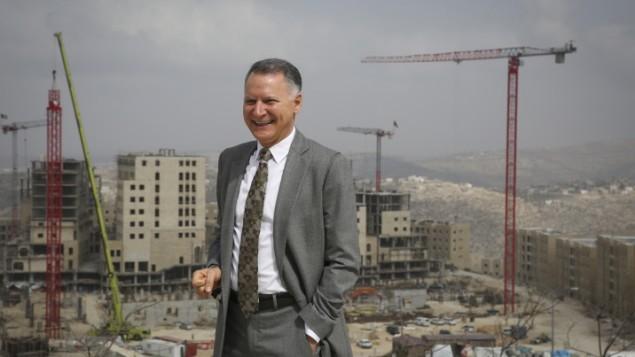L'entrepreneur palestinien Bashar al-Masri posant devant son projet immobilier à Rawabi le 23 février 2014 (Crédit : Hadas Parush/Flash 90)