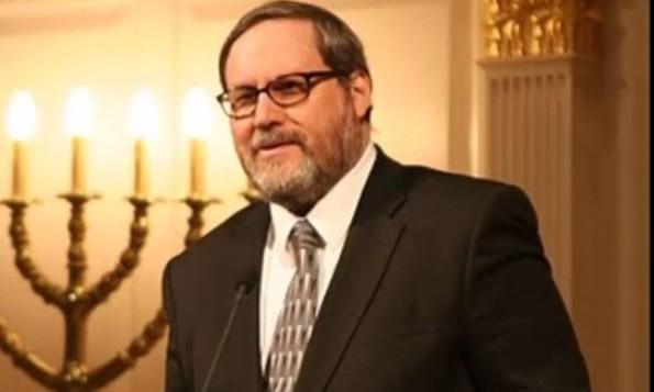 Le rabbin Barry Freundel, ancien dirigeant spirituel de la synagogue Kesher Israel (Capture d'ecranYouTube/Kesher Israel)