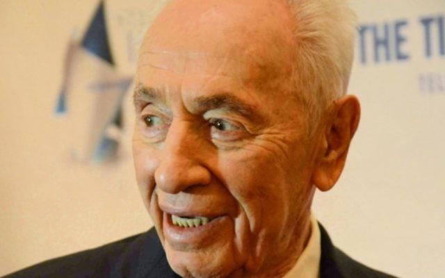 L'ancien président Shimon Peres au gala du Times of Israel à New York, le 15 fevrier 2015 (Crédit photo: Melissa Gerr, Baltimore Jewish Times)