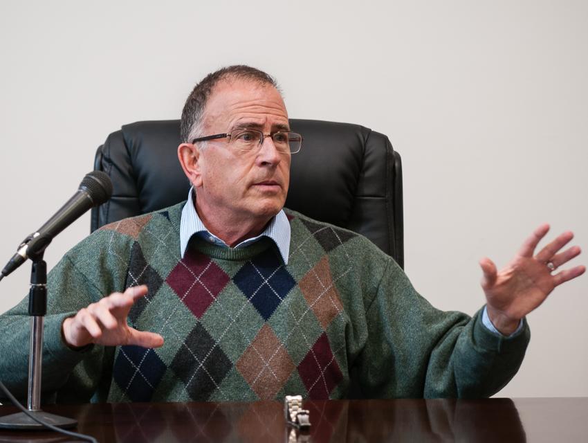 L'ancien agent du Mossad Yosser Alpher (Crédit : Autorisation de Yossi Alpher)