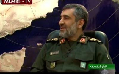 Le général de brigade Amir Ali Hajizadeh, responsable des forces aériennes du Corps des gardiens de la révolution iraniens.  (Crédit : capture d'écran YouTube/MEMRI)