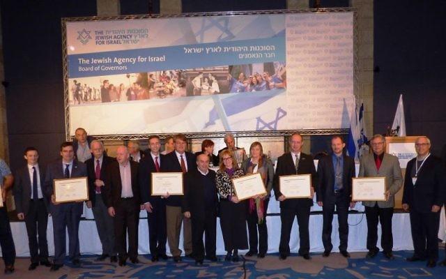 Le président de l'Agence juive Natan Sharansky remercie les représentants des partenaires chrétiens de l'Agence Juive - 24 février 2015. (Crédit : David Shechter de l'Agence juive pour Israël.)