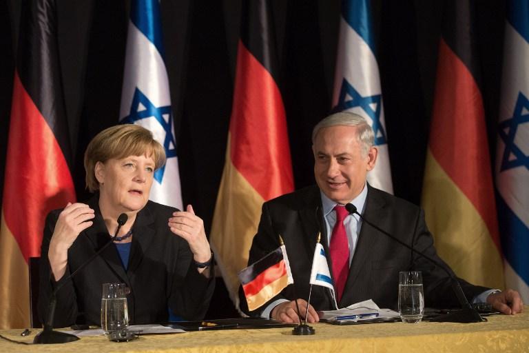 La chancelière allemande Angela Merkel et le Premier ministre Benjamin Netanyahu à une conférence de presse conjointe à l'hôtel King David à Jérusalem le 25 février 2014 (Crédit : AFP / Menahem Kahana)