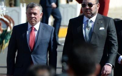 Mohammed VI du Maroc (à gauche) et Abdallah II de Jordanie le 11 mars 2015 au Maroc (Crédit : AFP)