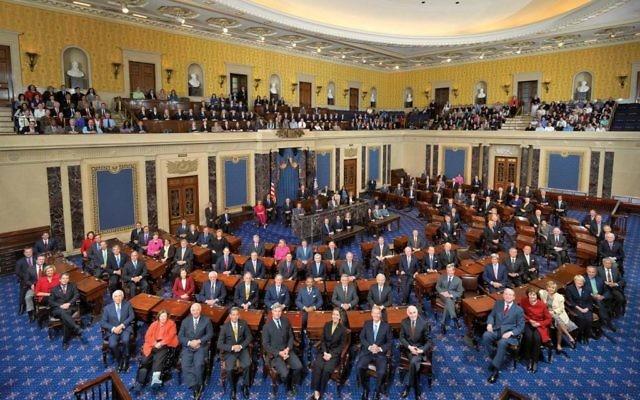 Le 111ème Sénat des Etats-Unis, dans la salle des Sénateurs au Capitole à Washington. (Crédit : Senate Photo Studio)